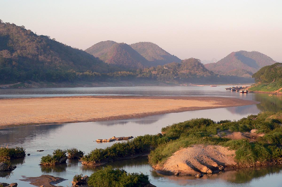 Auf dem Mekong  -  die Mutter aller Wasser