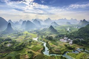 Traumhafte Karstberge-Landschaft bei Guilin
