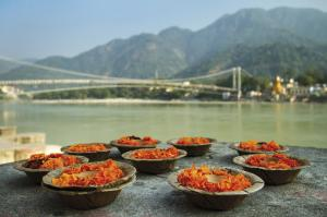 Rishikesh am heiligen Fluss Ganges