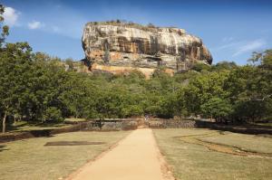Blick zum Sigiriya Felsen