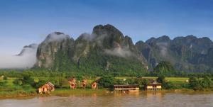 Die Karstlandschaft bei Vang Vieng