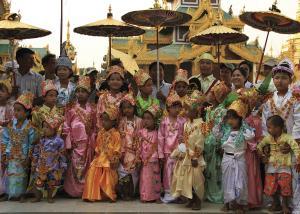 Begegnung in der Shwedagon-Pagode