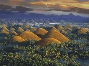 Bizarre Hügellandschaft auf der Insel Bohol