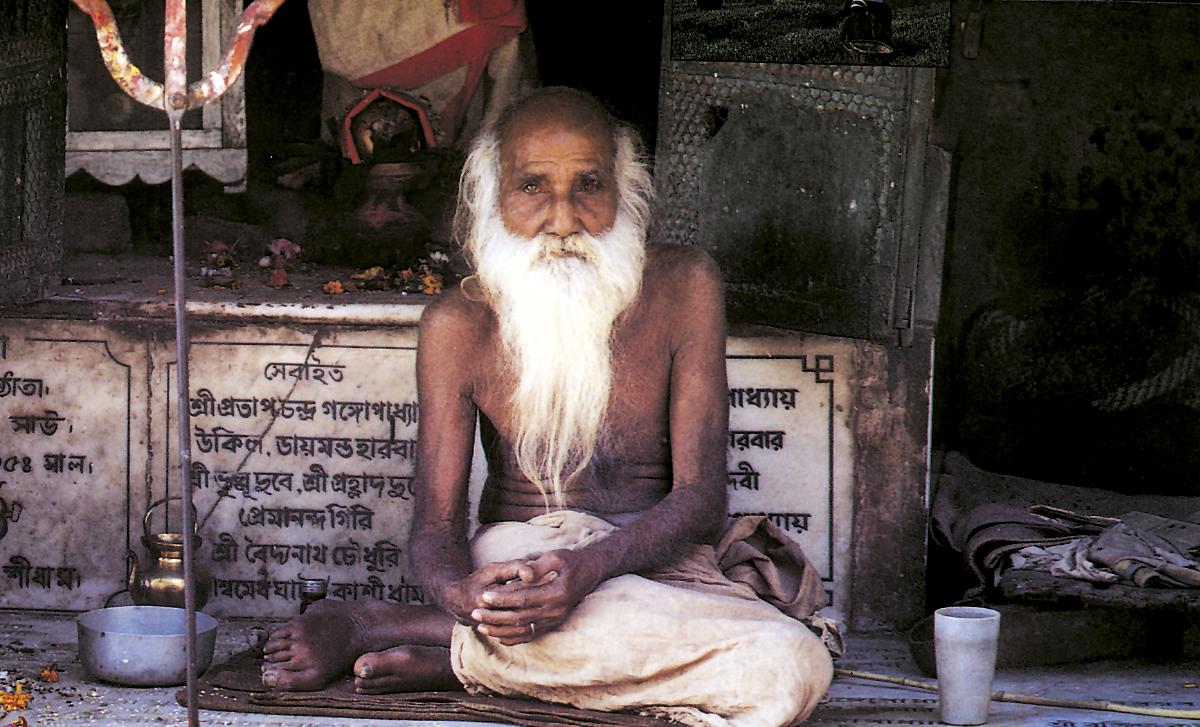 Sadhu unterwegs im Tal des Sutlej, Spiti