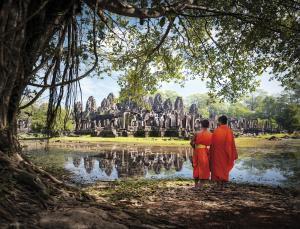Mönche beim Angkor Thom-Tempel